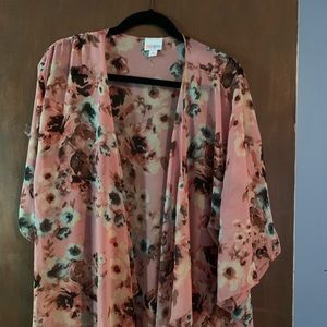 Beautiful pink floral Lularoe Shirley Size Medium